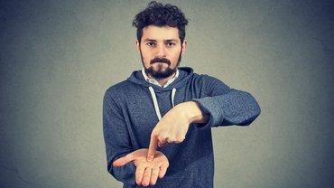 Forderung mehr Geld Tarifverhandlung Mann