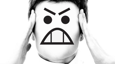 Bild Frau Wut Ärger Maske Enttäuschung
